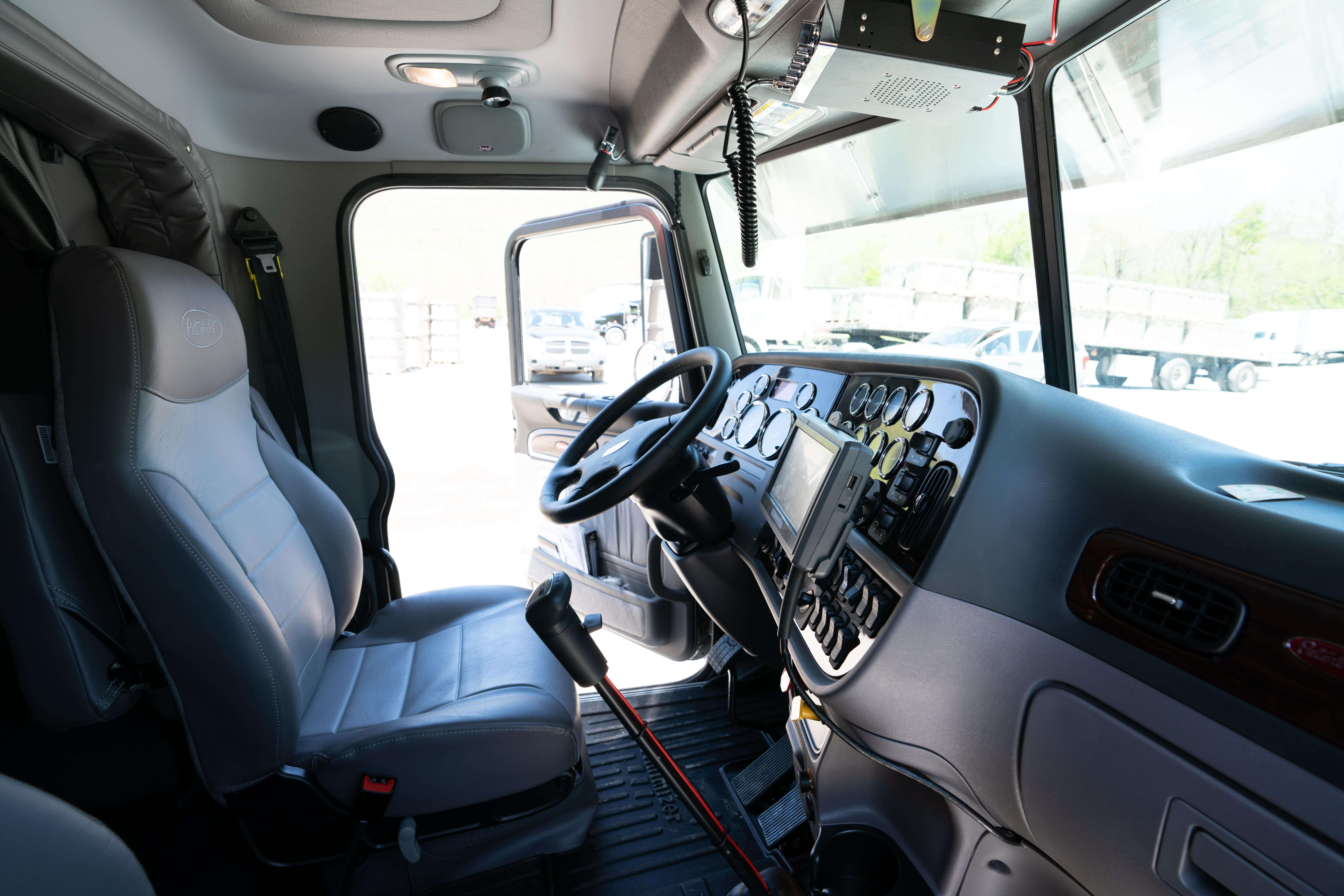 Healthy truck drivers are happy truck drivers. Learn about having good back posture on the road.